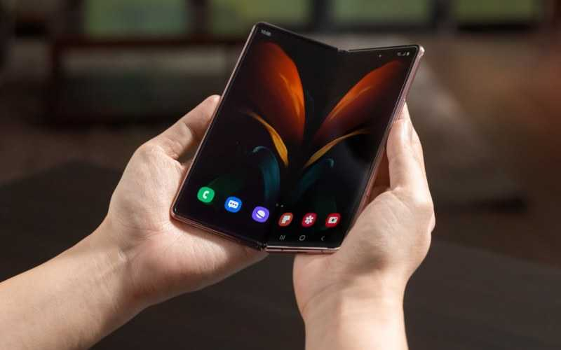 Samsung Galaxy Fold Begins to Get One UI 3.1.1 with September Security Update